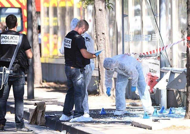媒體:馬賽一輛汽車撞入公交車站導致1人死亡