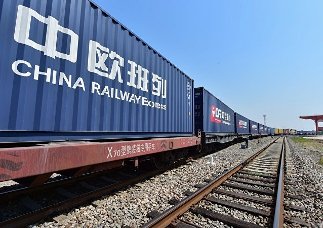 青藏高原化工品通過中歐班列運往俄羅斯