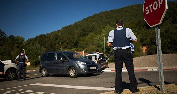 媒体:西班牙警方在巴塞罗那省击毙一名身着自杀式炸弹腰带的男子