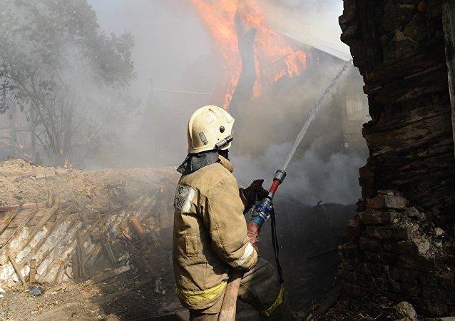 俄顿河畔罗斯托夫大火导致近60人寻求医疗救助