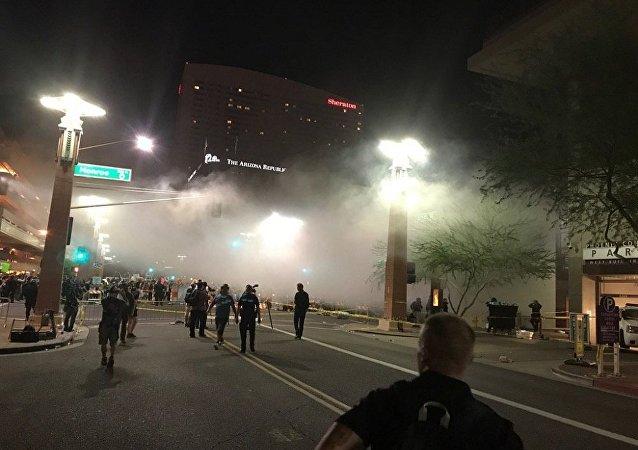 特朗普在菲尼克斯市發表演講後爆發示威活動