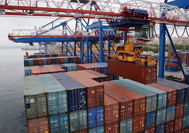 俄鐵路集裝箱運輸公司:近一兩年俄中間集裝箱鐵路運輸將迅猛增長