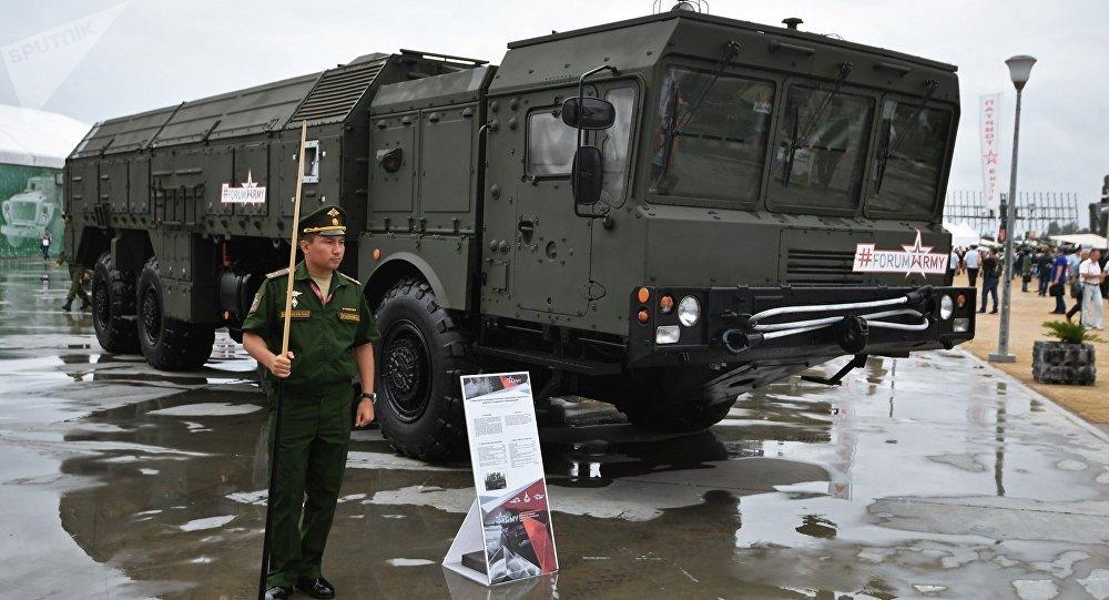 民调:超半数俄罗斯人认为军工领域工作体面且高薪