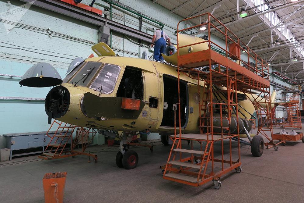 喀山直升机厂引入独特的防水试验机来检验机身密闭性,采用封闭式水循环原理,可模拟最强热带降雨。测试一个机身需要使用9立方米水。