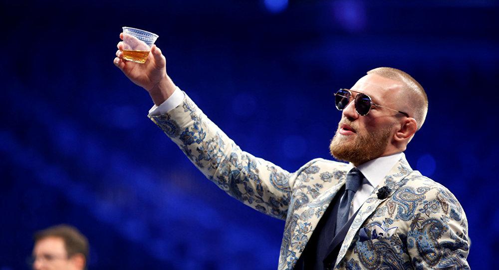 麦格雷戈表示愿主办歌手比伯与演员克鲁斯之间的格斗比赛