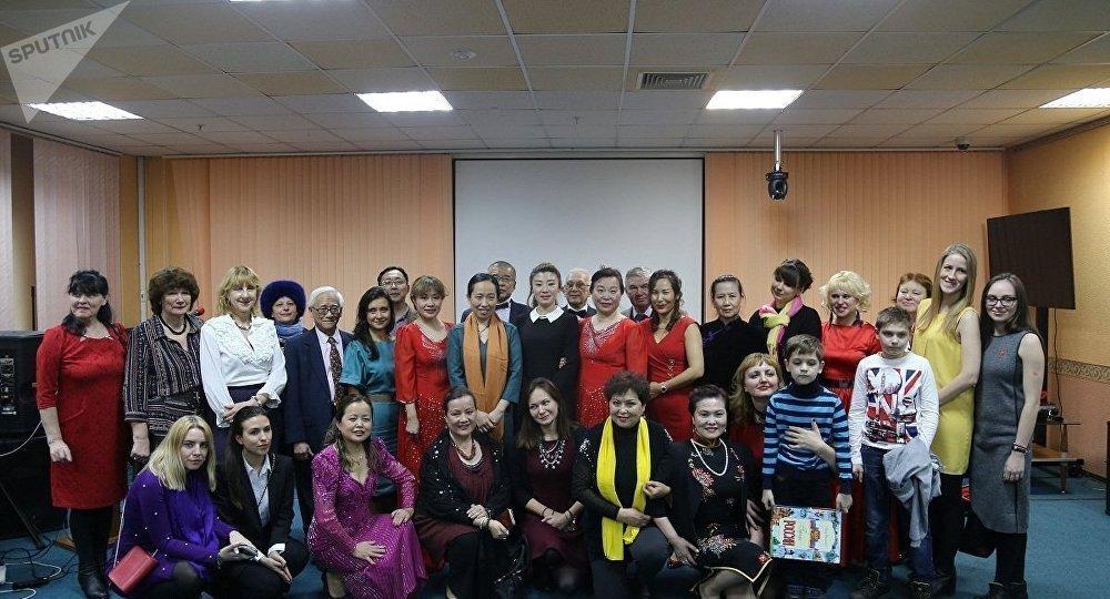 《莫斯科的中國人和中國人眼裡的莫斯科》主題攝影展在莫斯科隆重開幕