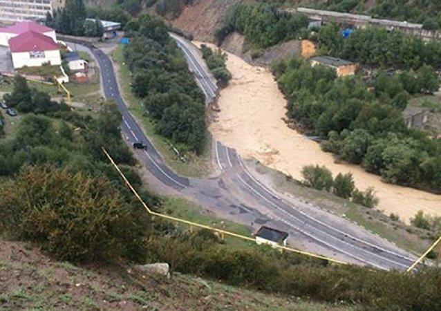 媒体:俄地区政府计划三天内将外国公民撤离泥石流灾区