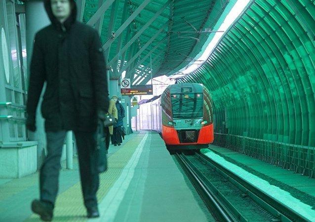索比亞寧:莫斯科中環夏季最後一天載客量超過38.2萬