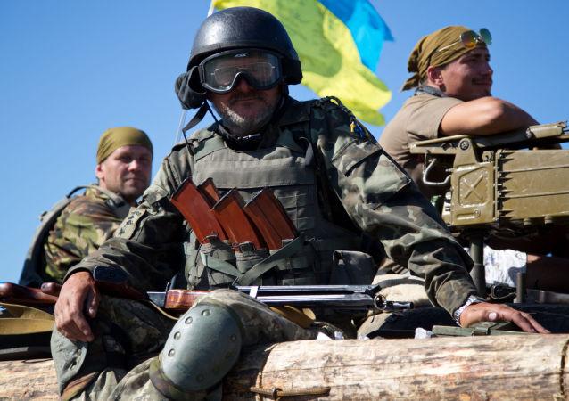 乌克兰士兵在顿巴斯