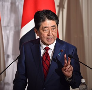 日本首相呼籲國際社會對朝鮮施加最大壓力