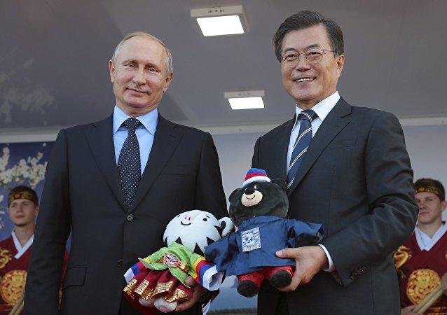 韩国总统赠送普京玩具虎和熊