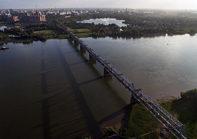 俄遠東發展部部長將聽取俄中跨境大橋工期延誤情況彙報
