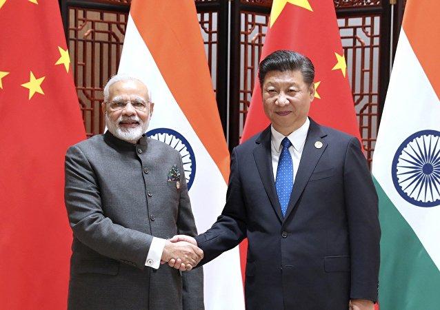 中印領導人強調良好雙邊關係是維護世界穩定的重要因素