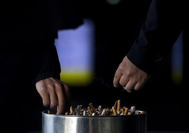 吸烟会降低异性吸引力