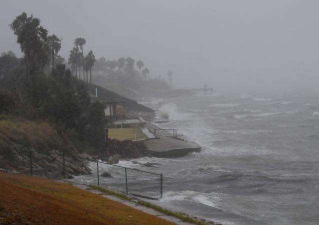 """飓风""""伊尔玛""""造成法国领地9人死亡"""