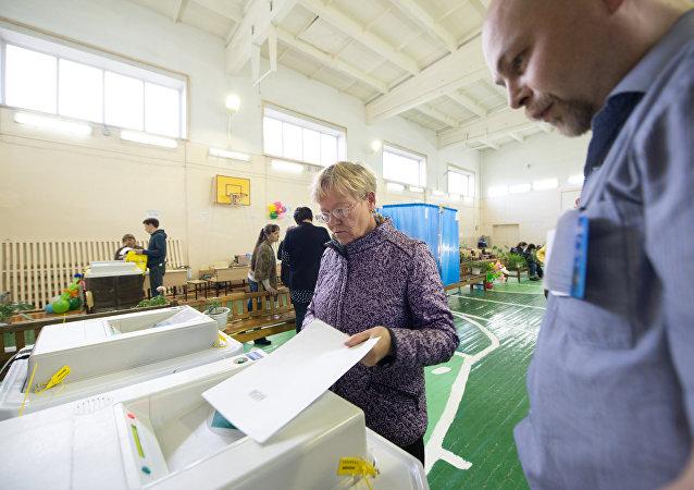 俄罗斯目前有69个政党有权参加选举