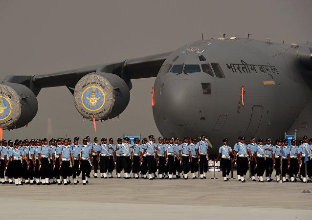 C-17环球霸王运输机