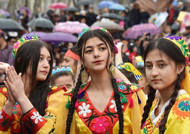 塔吉克斯坦高校校長決定為優秀女大學生婚禮買單