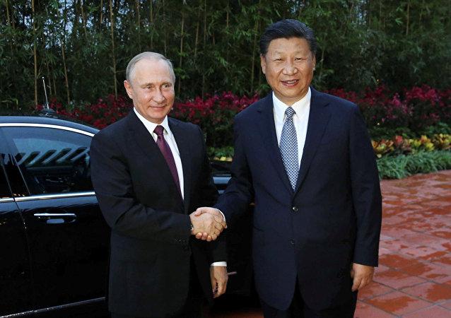 普京談習近平:他是一位令人愜意的合作夥伴、可靠的朋友和真誠的人