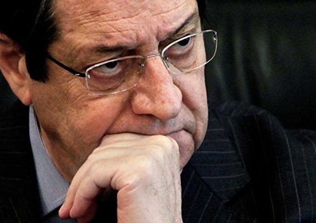 塞浦路斯总统带头收留流浪动物