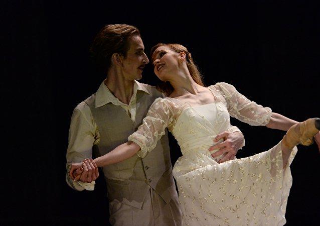 俄艾夫曼芭蕾舞团《安娜·卡列尼娜》揭幕国家大剧院舞蹈节