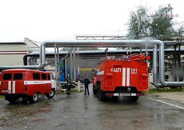 俄科米共和国发生岩层垮塌 约110名矿工滞留在井下