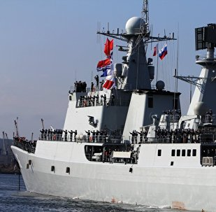 俄中军舰在国际演习期间开炮