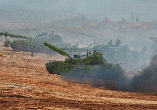 俄罗斯和白俄罗斯官兵联合演习