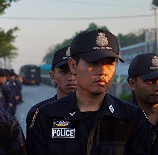 泰國三名戴手銬囚犯劫持囚車逃離法庭