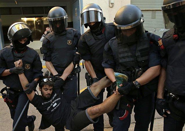 11名執法人員在加泰羅尼亞公投期間的衝突中受傷
