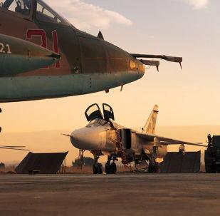 俄羅斯藝術家在俄駐敘空軍基地舉行了新年晚會