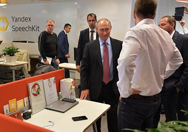 普京视察Yandex总部听取有关人工智能发展报告