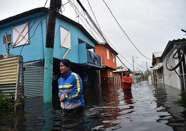 """美国当局被疑隐瞒飓风""""玛丽亚""""致死人数 实际死亡数千人"""