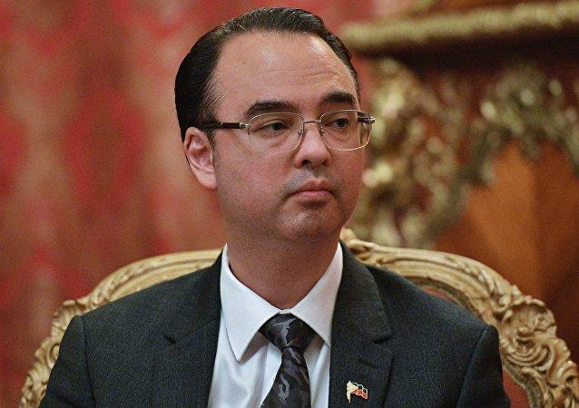 菲律宾外交部长阿兰•彼德•卡耶塔诺