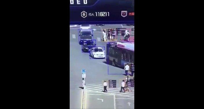 中国天网道路监控画面曝光 可智能识别车辆行人情况