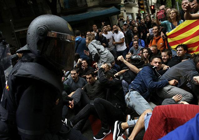 在加泰罗尼亚公投期间的冲突