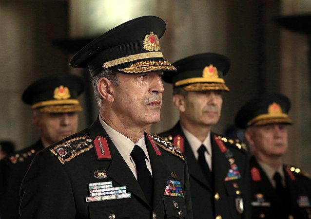 土耳其武装部队总参谋长胡卢西·阿卡尔
