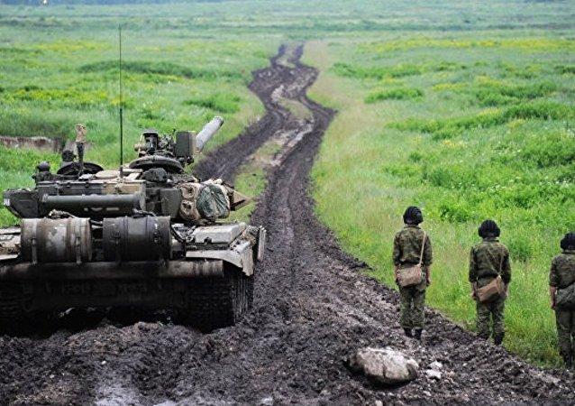 在乌拉尔进行了大规模的坦克部队演习