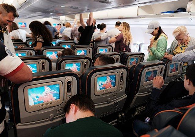 坐飞机手机不调至飞行模式的后果