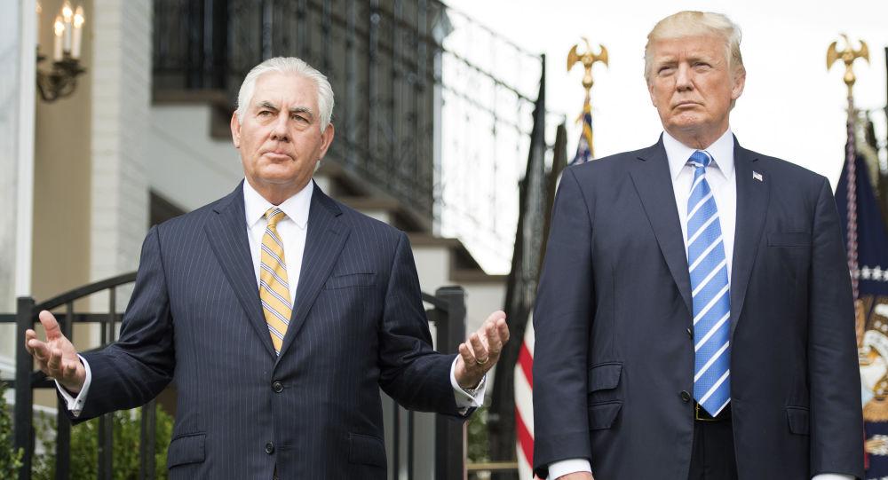 美國總統特朗普(右)和前國務卿蒂勒森
