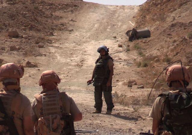 """俄国防部:目前正进行叙境内""""伊斯兰国""""前哨阵地收复行动"""