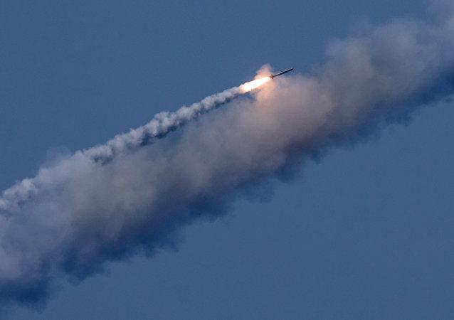 俄罗斯潜水艇在地中海水域使用口径巡航导弹对叙利亚境内的恐怖分子进行2次袭击