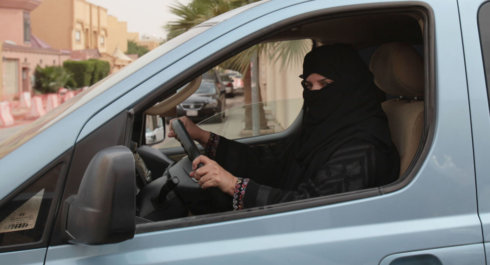 沙特開放首家女性專用汽車銷售大廳