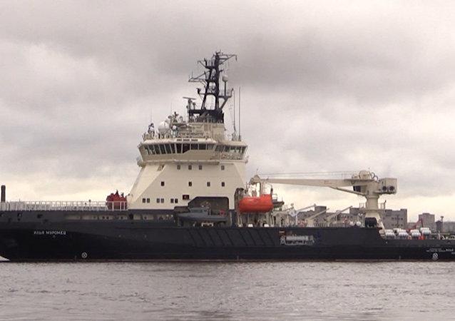 俄罗斯新型破冰船在波罗的海进行测试