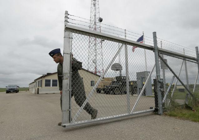 美军训练基地一辆汽车冲撞军人造成两死六伤