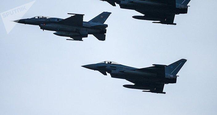 三架F-16戰機