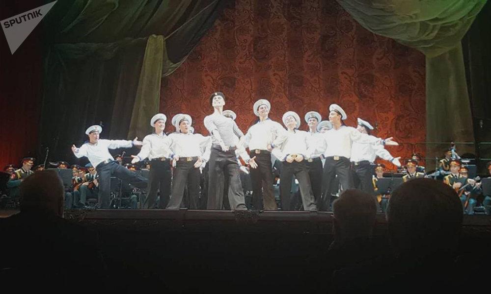 亞歷桑德羅夫紅旗歌舞團