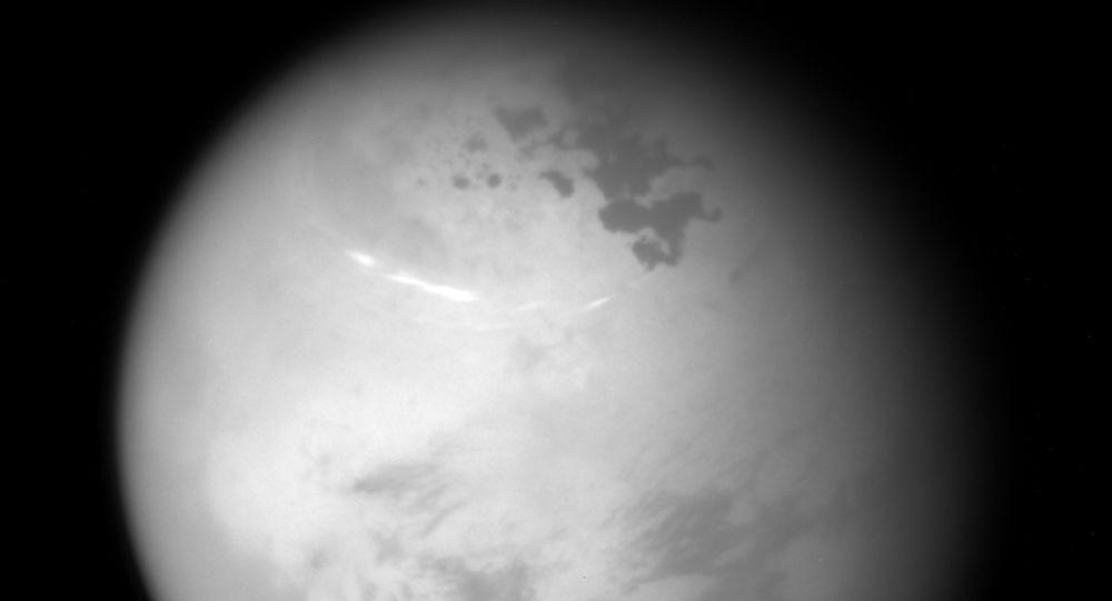 学者在太阳系中找到和地球一样经常发生雷暴的行星