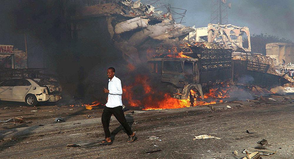 索马里军事基地附近发生汽车炸弹爆炸