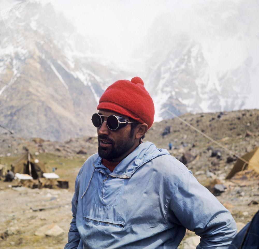 參與登頂共產主義峰(後稱索莫尼峰)活動的捷克斯洛伐克登山者赫拉德克·雷歐